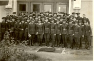 1956.11.01 НВВУ Г.Бенковски випуск 1959 пред учебния корпус
